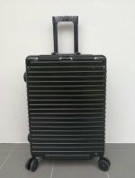 กระเป๋าเดินทางมุมเหล็ก ขนาด 20 นิ้ว