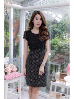 ชุดเดรสสีดำ เสื้อคลุมผ้าลูกไม้สีดำ ตัวชุดเป็นผ้า Canvas พื้นสีดำ ลายจุดเล็กๆ XL818