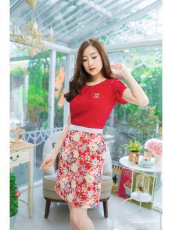 M, 3XL ,5XL ชุดเดรส-ชุดเดรสไซส์ใหญ่ เสื้อผ้าชีฟอง สีแดง คอจับจีบ ขอบเอวแต่งสีขาว กระโปรง ผ้า Hanako
