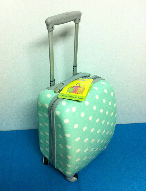 กระเป๋าเดินทางไซส์ 16 นิ้ว สีเขียว Polka Dot 4 ล้อลาก น้ำหนักเบา