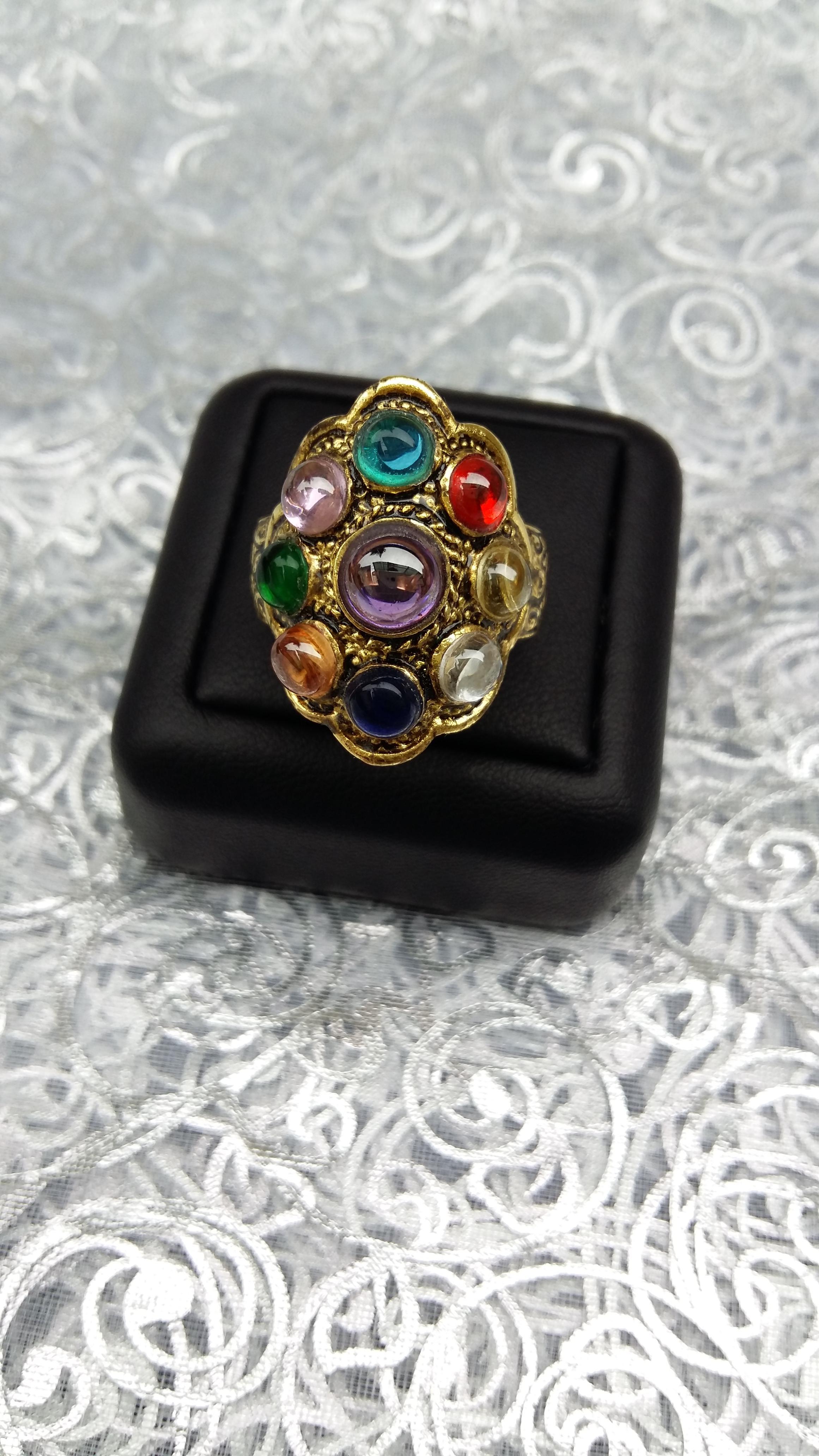 แหวนนพเก้าถมทอง