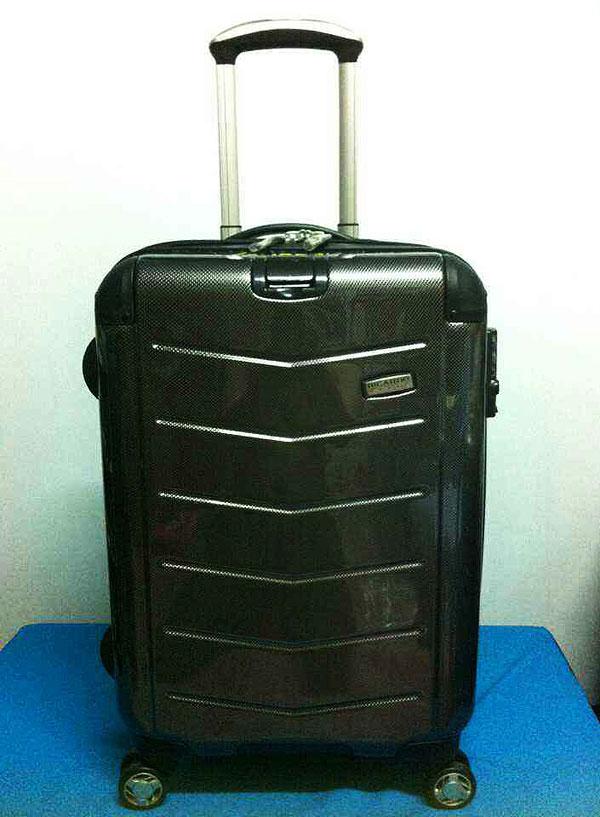 กระเป๋าเดินทางริคาร์โด้ ไซส์ 21 นิ้ว รุ่น Rodeo Drive สีดำ Kevlar