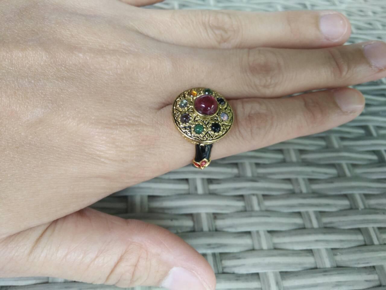 แหวนพลอยนพเก้า