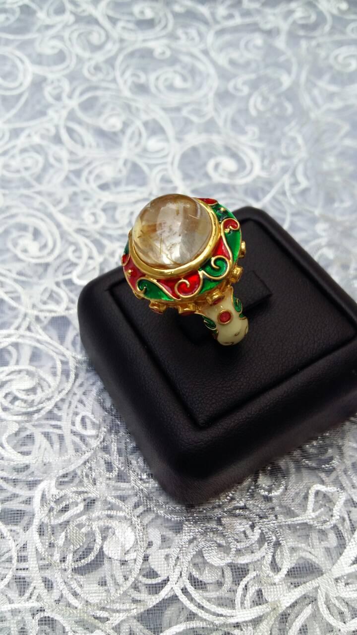 แหวนลงยา ฉลุลายสุโขทัย ประดับหินไหมทอง