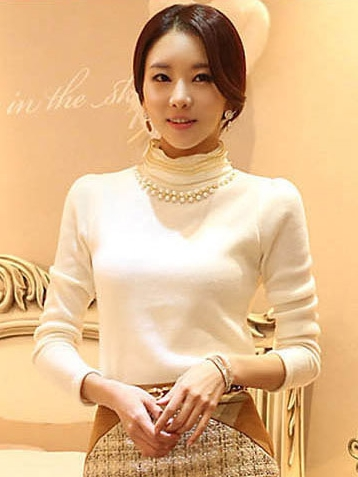 เสื้อทำงาน ผ้าฝ้ายแขนยาว ผ้านิ่มใส่สบาย สีขาว