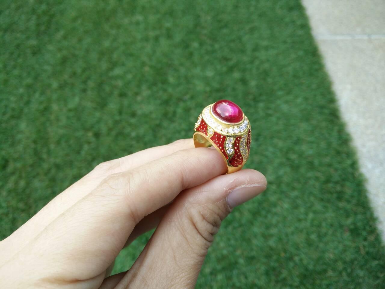 แหวนถมทอง ลายสุโขทัย แบบฝังพลอย