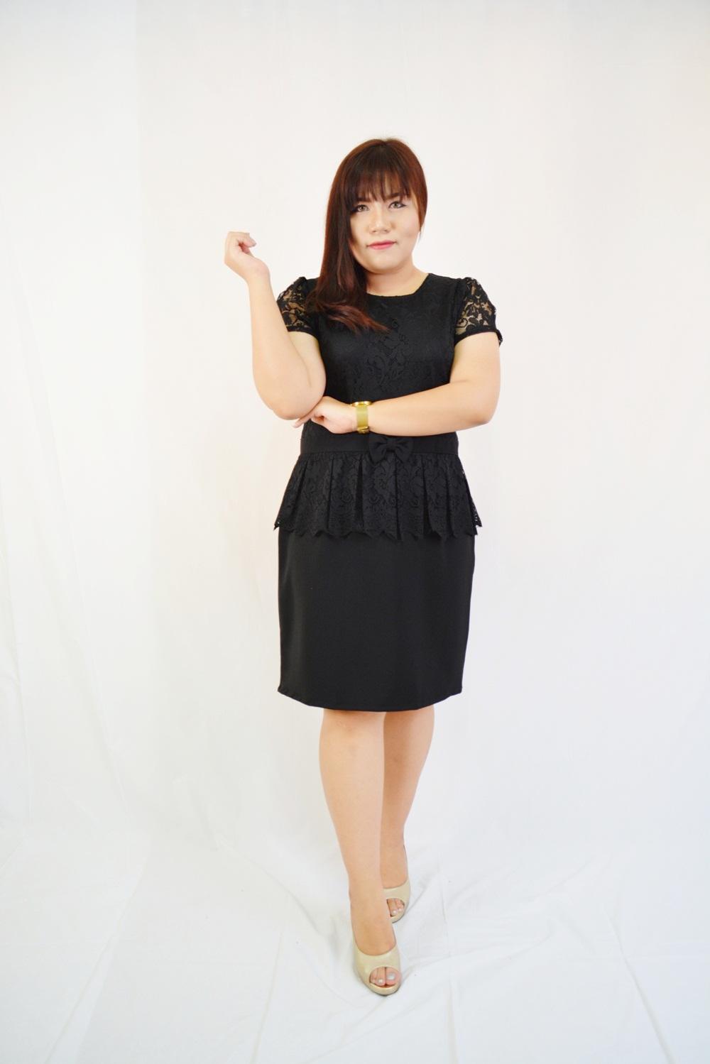 ชุดเดรสสีดำ เสื้อผ้าลูกไม้เอวแต่งโบว์ เอวระบายรอบตัว กระโปรงผ้า Hanako เนื้อดี XL824