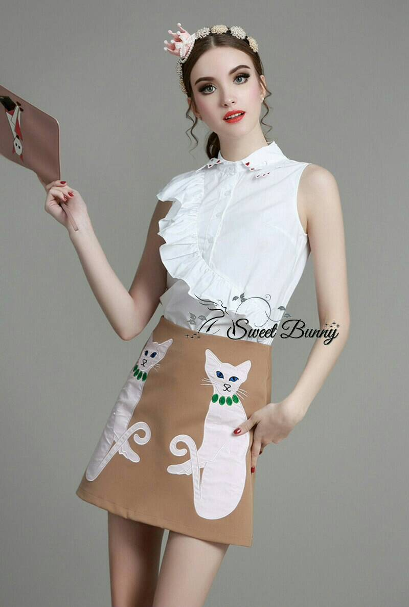 Sweet Bunny Present... Waterfall detail white blouse and embroidery cat brown skirt set