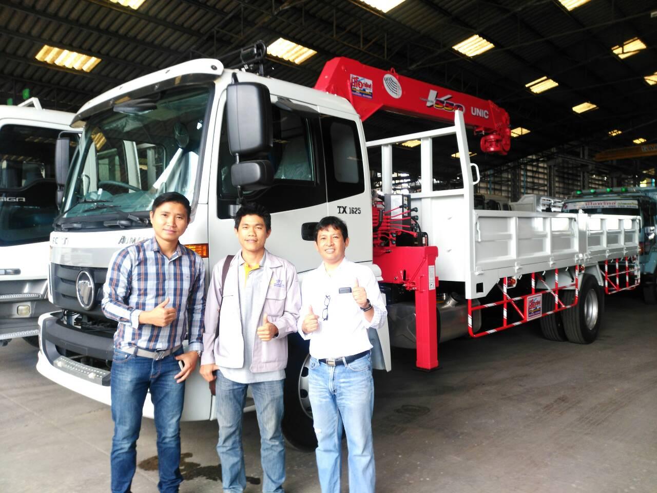 รถบรรทุก 6ล้อ FOTON เครื่องยนต์ 245HP เกียร์ ZF ประกอบใหม่พร้อมเครน พร้อมเครนยูนิคใหม่ UR-V555K ขนาด5ตัน (ความยาว 3-4-5-6 ท่อน เลือกสั่งได้) สนใจติดต่อ เอกนีโอทรัคส์ 086-7655500