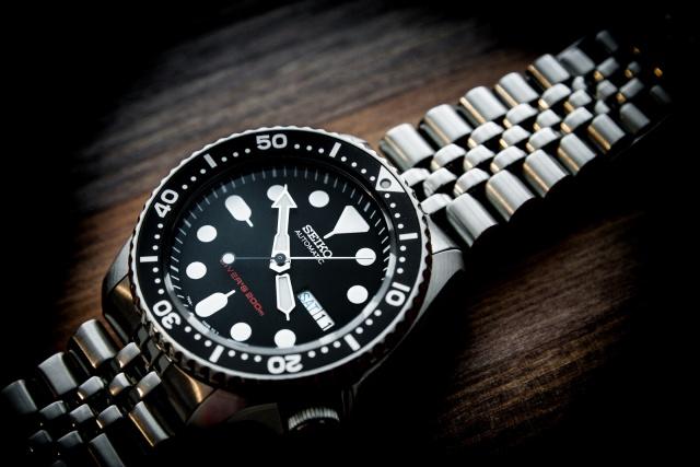 นาฬิกา Seiko Automatic Black Diver Watch 200m SKX007K Jubilee Strap
