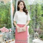 ชุดเดรสเสื้อลูกไม้สีขาว ระบายเล็กๆ กระโปรผ้าไทย
