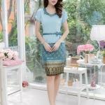 ชุดเดรสผ้าไทย เสื้อผ้า Hanako คอวี มีขอบเอว กระโปรงผ้าไทย