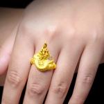 💍ฟังทางนี้นะคะ สวมแหวนนิ้วไหนดี💍 💖 การสวม#แหวนพญานาค ควรใส่แหวนที่นิ้วโป้ง นิ้วชี้ หรือนิ้วกลาง และถ้าเสริมโชคลาภ ความโชคดี ถ้าใส่หันหัวเข้า ก็จะดูดจากภายนอกเข้ามาในตัวนั่นคือดูดโชคลาภและความโชคดี นั่นคือในงานประจำวันใส่หันหัวออกหา