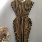 Vintage dress : เดรสผ้าไหม สีน้ำตาลเหลือบทอง ติดกระดุมหลัง กระโปรงแต่งระบายด้านข้าง สวยเก๋ แปลกตา แพทเทิร์นน่ารัก