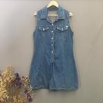 Vintage jumpsuit : จั๊มสูทยีนส์วินเทจ แพทเทิร์นเข้ารูป #เว้าหลัง ผ้ายีนส์เนื้อบาง (ป้ายเขียนไซส์ L)