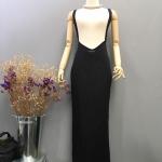 Vintage dress : เดรสวินเทจสไตล์เอี๊ยม แพทเทิร์นเก๋มาก เอววีหน้า สายไขว้หลัง กระโปรงยาวทรงสอบ ผ่าหลัง เนื้อผ้าโพลีเอสเตอร์