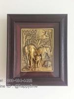 กรอบรูปแขวนผนังศิริมงคล ของขวัญสำหรับงานขึ้นบ้านใหม่ รูปโขลงช้างป่าสีทอง