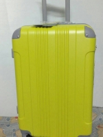 กระเป๋าเดินทางล้อลาก สีเขียวมะนาวมุมเทา 4 ล้อ ขนาด 20 นิ้ว