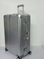 กระเป๋าเดินทาง ขอบอลูมิเนียม 4 ล้อ