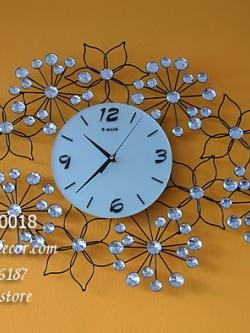 นาฬิกาติดผนังสวยๆเก๋ๆ รูปทรงดอกไม้ประดับพลอย