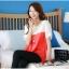เสื้อแฟชั่น คอกลม แขนสั้น ผ้าชีฟอง เสื้อสีขาวตัดสีแดงส้ม รหัส 44123-แดง thumbnail 5