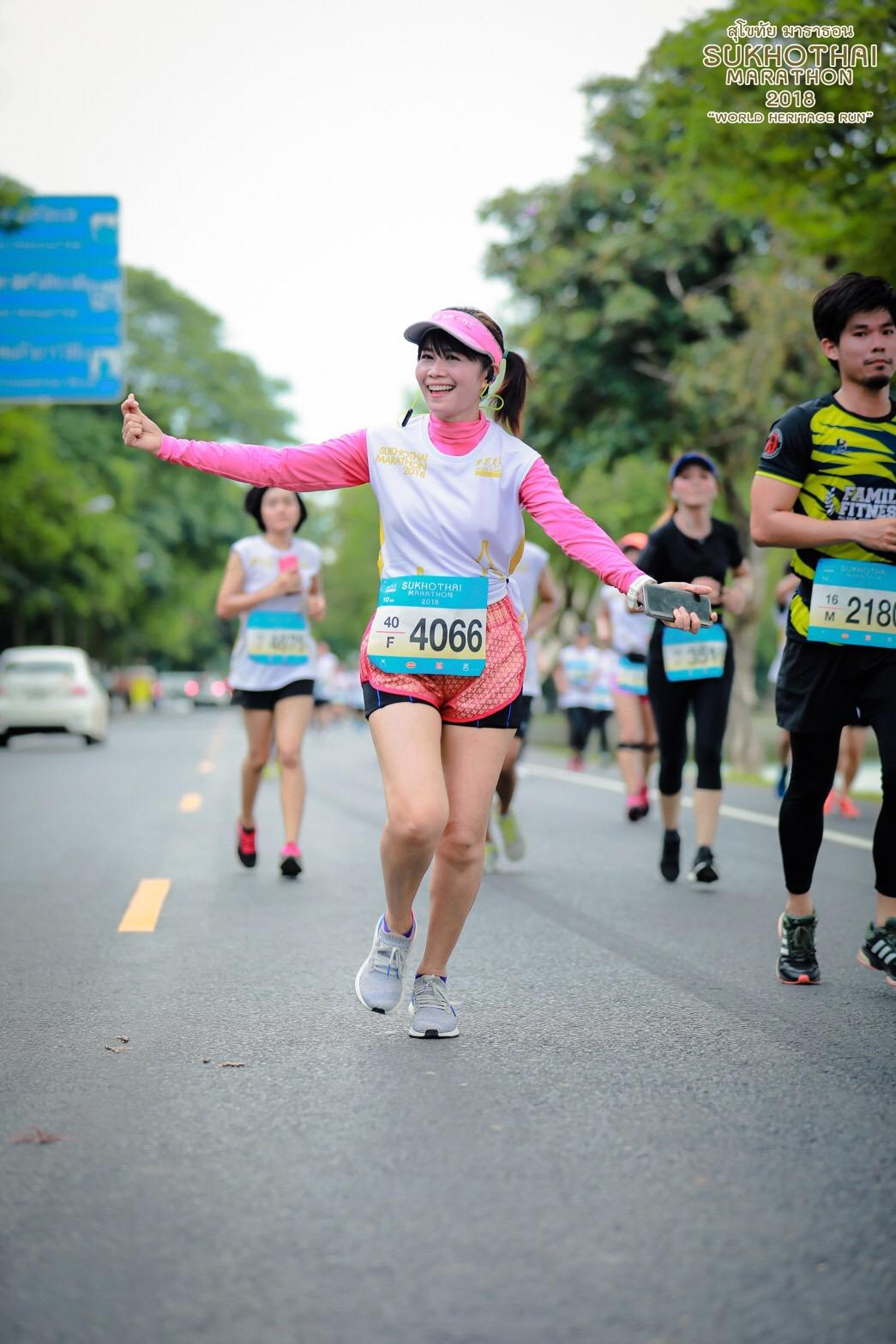 รีวิววิ่งแข่งมาราธอนลูกค้าสวมใส่เสื้อรัดกล้ามเนื้อ