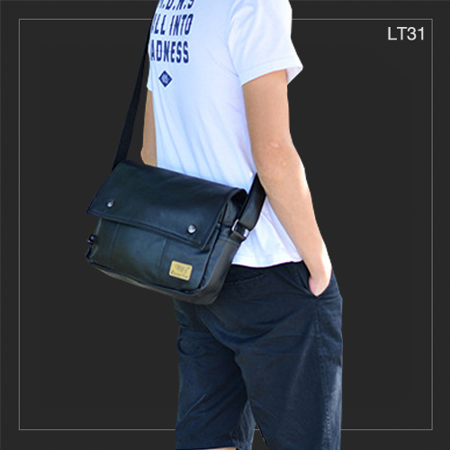 LT31 Three box กระเป๋าสะพายข้าง หนัง PU สีดำ