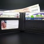 การใช้โฟมทำความสะอาดกระเป๋าเงินผู้ชาย หนัง PU เพื่อการใช้งานที่คงทน